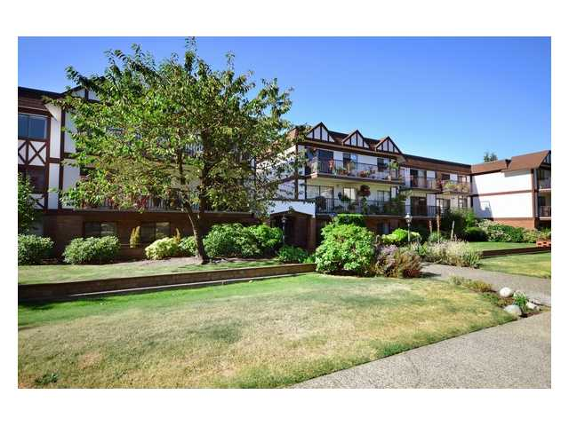 # 202 131 W 4TH ST - Lower Lonsdale Apartment/Condo for sale, 1 Bedroom (V909047) #1