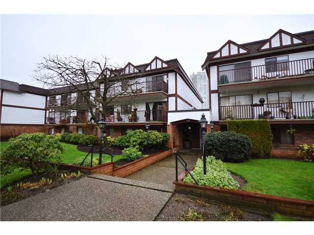 # 216 131 W 4TH ST - Lower Lonsdale Apartment/Condo for sale, 2 Bedrooms (V933348) #1