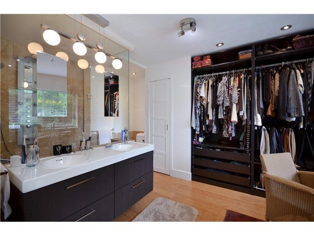 Walk in closet and dressing room