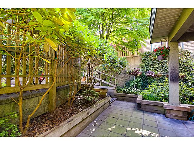 208 E 5TH ST - Lower Lonsdale Townhouse for sale, 3 Bedrooms (V1064727) #13
