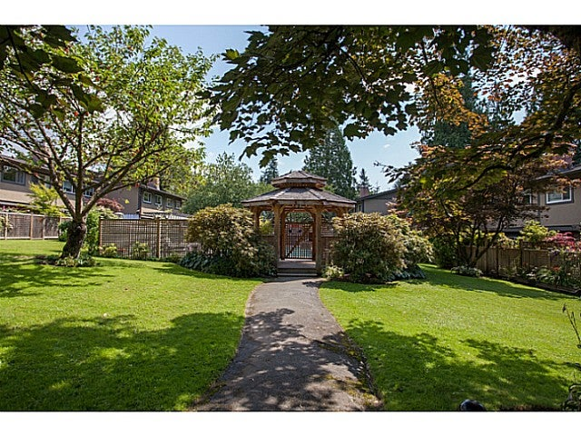 # 140 3300 CAPILANO RD - Edgemont Townhouse for sale, 3 Bedrooms (V1076844) #19