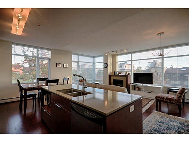 # 304 158 W 13TH ST - Central Lonsdale Apartment/Condo for sale, 2 Bedrooms (V1089175) #1