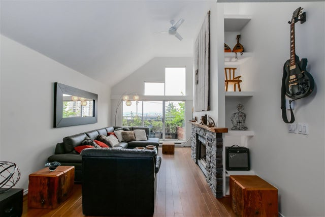 D 225 E 4TH STREET - Lower Lonsdale Townhouse for sale, 2 Bedrooms (R2074262) #3