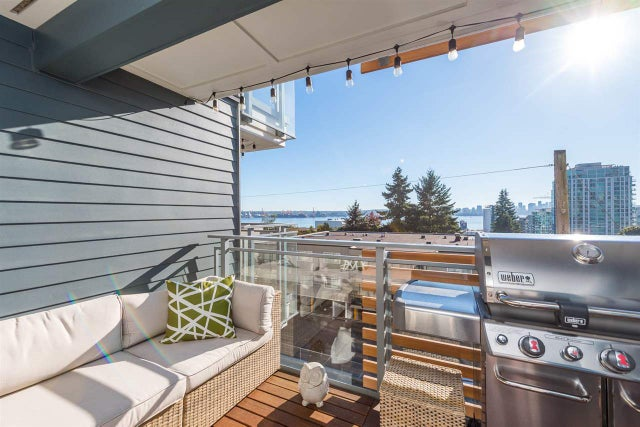 303 221 E 3RD STREET - Lower Lonsdale Apartment/Condo for sale, 2 Bedrooms (R2210573) #1
